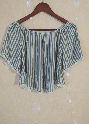Укорочена блуза футболка