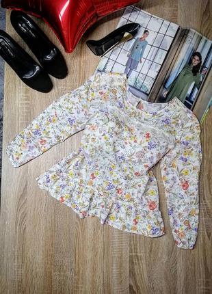Летняя блуза с кружевной вставкой в цветочный принт с рюшами и...