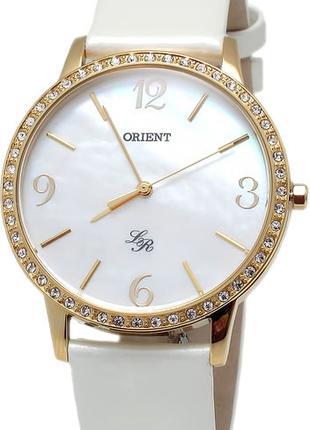 Женские наручные часы Orient FQC0H004W0 кварцевые с кожаным ре...