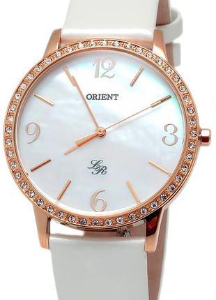 Женские наручные часы Orient FQC0H002W0 кварцевые с кожаным ре...