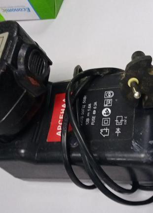 Аккумуляторы и зарядные устройства Б/У Зарядное для шуруповерт...
