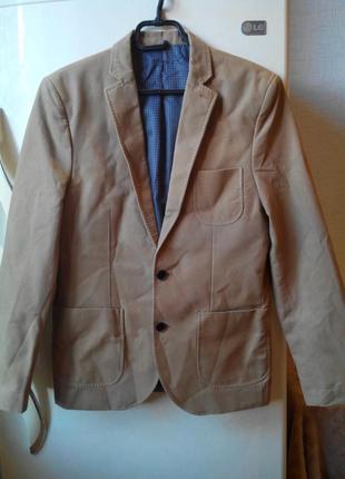 Розвантажуюсь ❤️ сильно приталенный (medium skinny fit) пиджак...