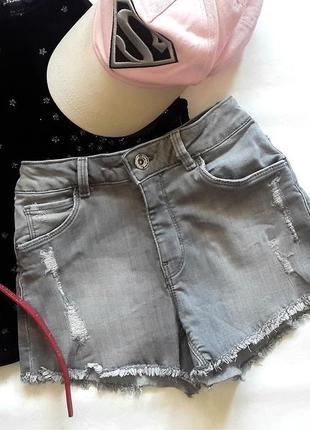 Джинсовые шорты zara, серые джинсовые шорты с рваными краями, ...