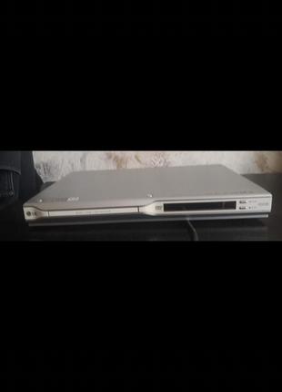 Видеомагнитофон DVD