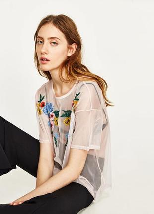 Трендовая футболка топ майка сетка с вышивкой от zara
