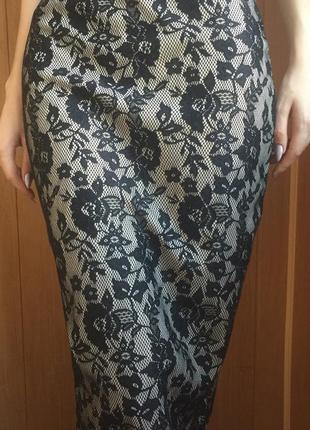 Чёрная с бежевым кружевная миди юбка. размер s. select.
