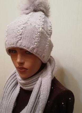 Комплект шапка с шарф с бубончиками серый