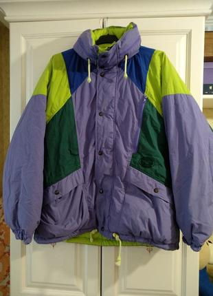 Двусторонняя куртка с капюшоном