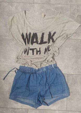 Комбинезон шортами джинсовый