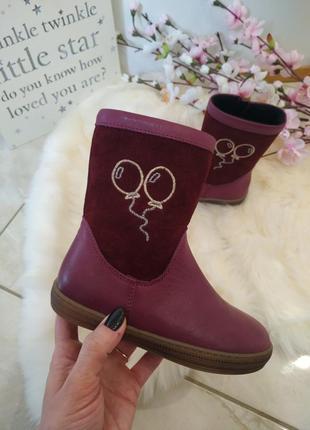 Очень классные и стильные осенние ботинки для девочки.