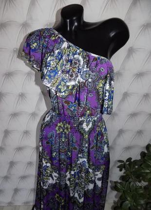 Обворожительное платье на одно плечо