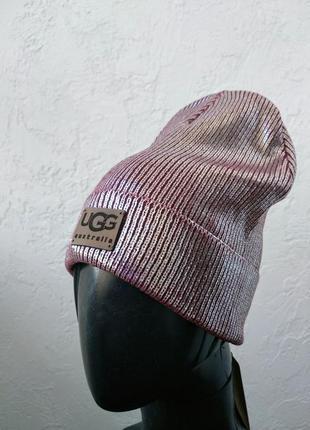 Трендовая шапка ugg. бордовый металлик