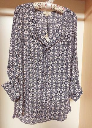 Женственная шифоновая блуза с красивым декольте