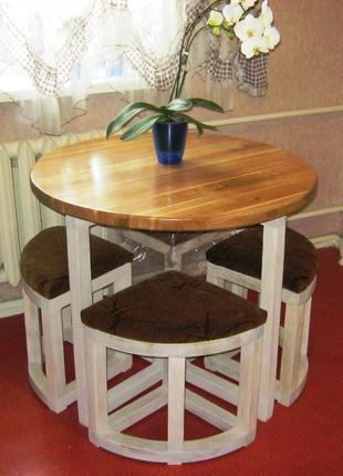 Комплект кухонной мебели.Стол и 4-ре табурета.