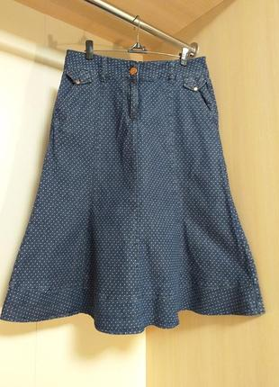 Джинсовая юбка миди в мелкий горошек