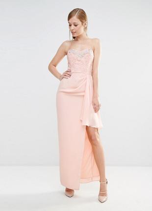 Розовое вечернее платье бандо с стразами и жемчугом