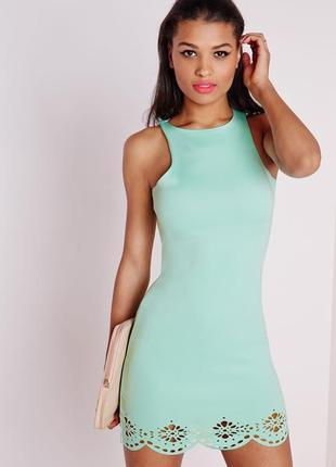 Мятное приталенное платье с лазерной резкой missguided