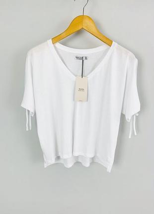 Белая легкая натуральная женская свободная футболка с разрезам...