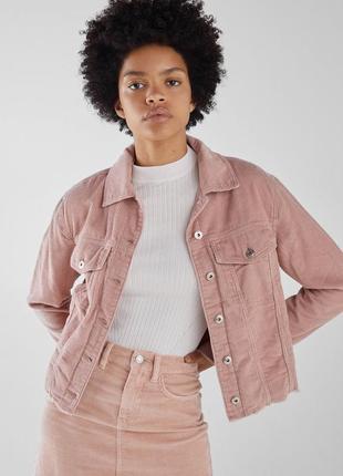 Розовая куртка жакет из вельвета bershka