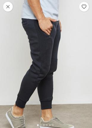 Теплые темно-синие спортивные штаны джоггеры на флисе brave so...