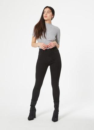 Черные джинсы скинни jennyfer