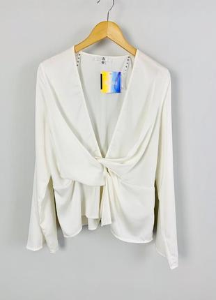 Шикарная блуза с v-образным декольте расклешенными рукавами и ...