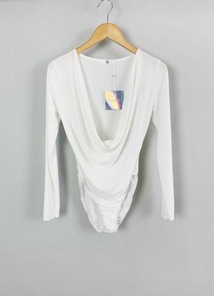 Шикарный белый боди блуза с привлекательным вырезом декольте m...