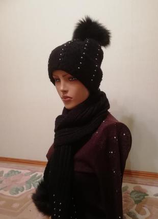 Комплект шапка и шарф с бубончиками