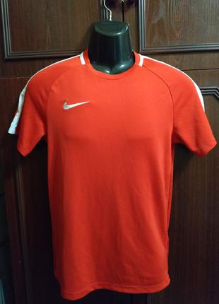Cпортивная футболка Nike Dri-Fit