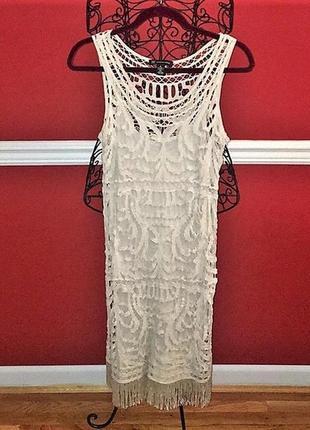 Белое платье из ручного кружева средней длины на 48-50 рр