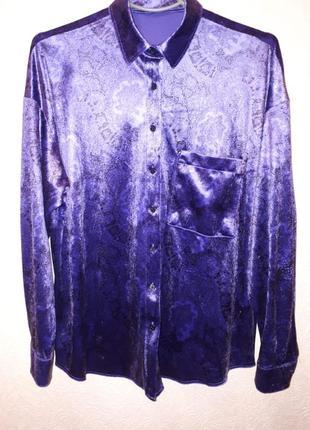 Велюровая блуза бархатная рубашка фиолетовая с черным принтом....