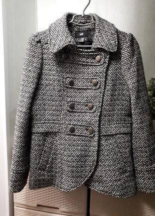 Крутое шерстяное пальто очень теплое полу пальто черно-белое т...