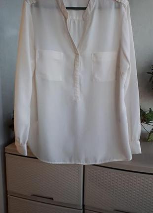 Белая блуза рубашка свободная полупрозрачная стильная и лакони...