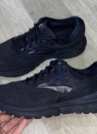 Оригинальные кроссовки brooks  размер 42,5