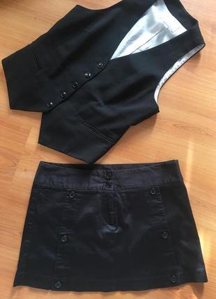 Супер комплект  жилетка h&m в подарок юбка incity в прдарок !🖤