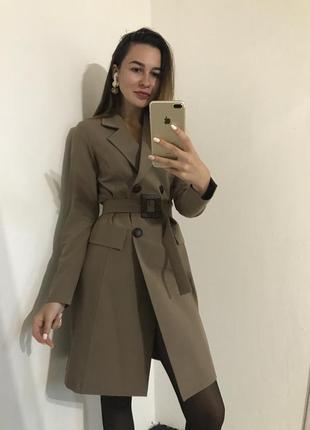 Двобортное платье пиджак под пояс