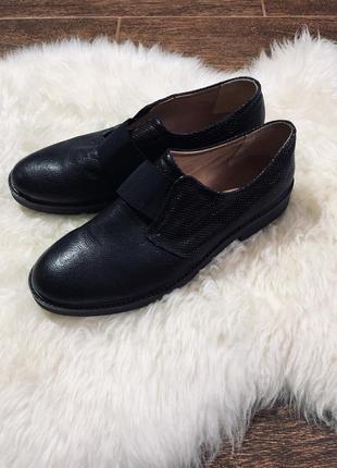Очень красивые мужские кожаные итальянские туфли poesie veneziane