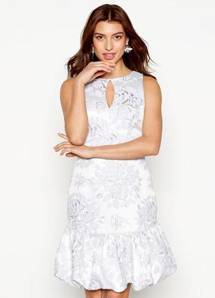 Очень красивое нарядное  лиловое платье большого размера