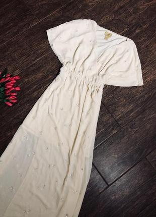 Очень красивое нежное длинное платье со стразиками