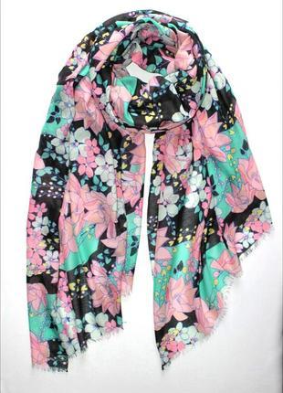 Красивый лёгкий шарф палантин, германия.