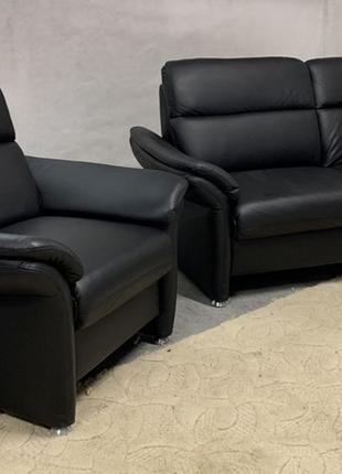 Кожаный гарнитур диван, кресло из Германии