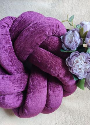 Декоративная фиолетовая узловая подушка