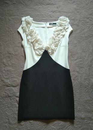 Новое, красивое платье love republic цветы глубокое декольте