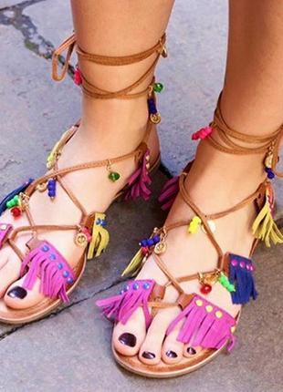 Must have! кожаные босоножки/сандалии/гладиаторы с подвесками ...