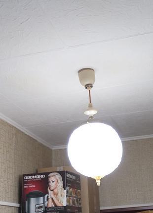 Потолки.  Поклейка потолков пенопластовыми потолочными плитами.