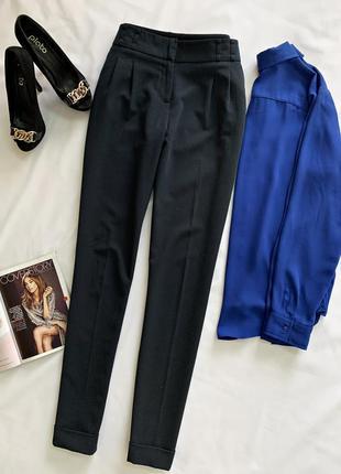 Темно синие брюки от m&co