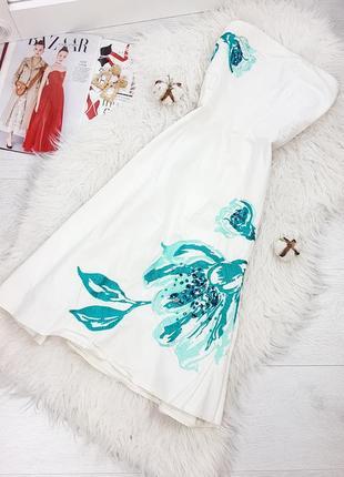 Белое летнее платье бюстье с вышивкой