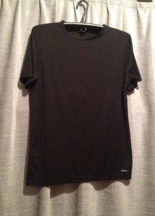 Базовая черная футболка.306