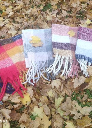 Продаються теплые женские шарфы