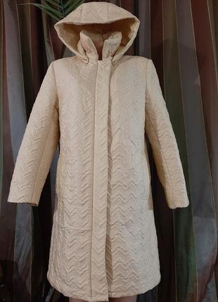 Пальто стеганое пуховик айвори